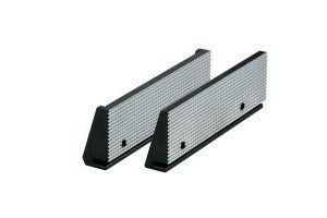 Standard insert fine checkered RNSf, size 5, jaw width 200, held by two permanent magnets - 1